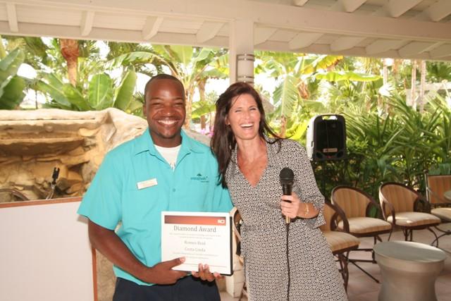 Costa Linda Staff Receives RCI Diamond Award