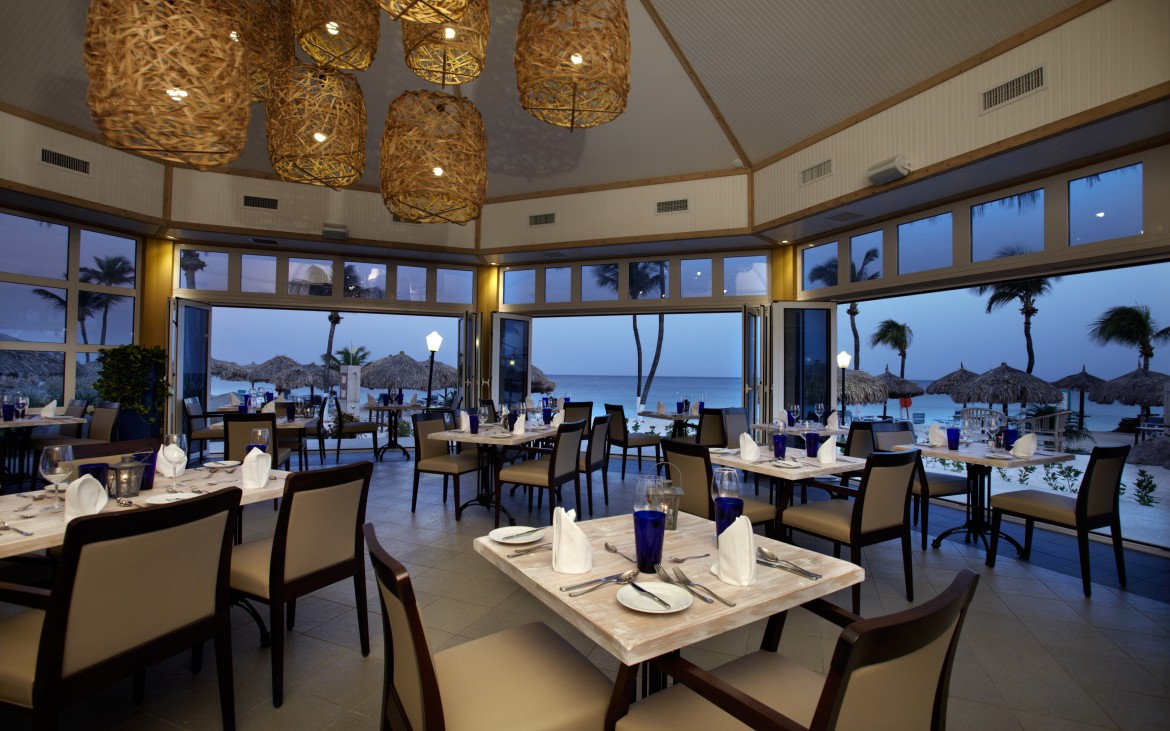 Caribbean chic dining